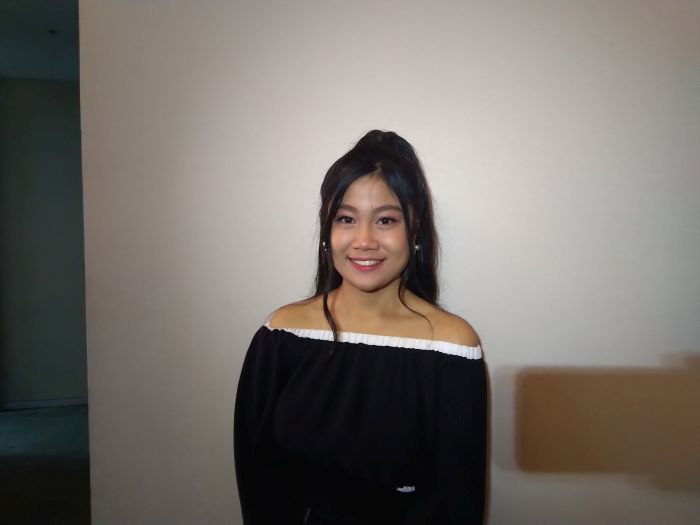 https: img-z.okeinfo.net content 2019 11 19 598 2131557 tersingkir-dari-indonesian-idol-x-della-mengaku-ikhlas-XnFWUvu1wS.jpg