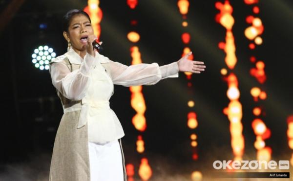 https: img-z.okeinfo.net content 2019 11 19 598 2131706 dukung-ainun-di-spektakuler-indonesian-idol-ini-penampakan-kak-jerry-t6ezUJChUn.jpg