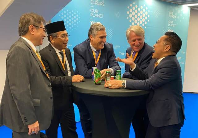 https: img-z.okeinfo.net content 2019 11 21 337 2132899 dpr-indonesia-urutan-ke-12-penyumbang-emisi-global-XK6bMtTTEs.jpg