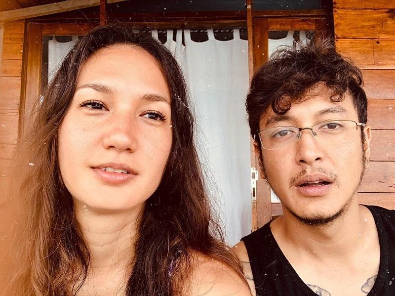 https: img-z.okeinfo.net content 2019 11 26 406 2134787 cerita-nadine-chandrawinata-lihat-terumbu-karang-langka-saat-selami-laut-gorontalo-XpGNma0kkL.jpg