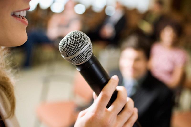 https: img-z.okeinfo.net content 2019 11 27 196 2135056 penunjang-karier-ini-tips-punya-kemampuan-public-speaking-yang-baik-JypuVSPJQp.jpg