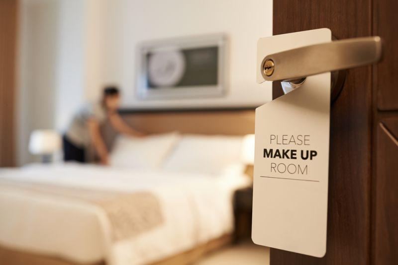 https: img-z.okeinfo.net content 2019 11 29 406 2135944 sebelum-check-out-jangan-lupa-acak-acak-tempat-tidur-hotel-ini-alasannya-CV90rPuHpb.jpg
