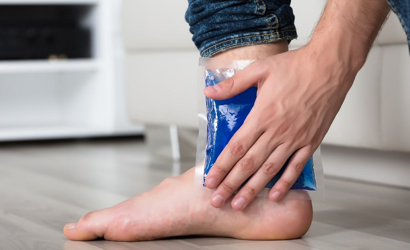 https: img-z.okeinfo.net content 2019 11 29 481 2136191 tidak-semua-cedera-kaki-harus-dioperasi-tapi-ketahui-risikonya-TxVQlEBOUB.jpg