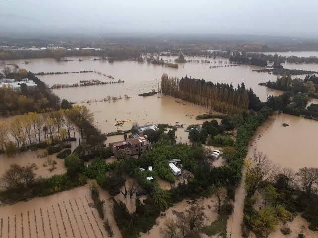 https: img-z.okeinfo.net content 2019 12 02 18 2137044 helikopter-jatuh-3-petugas-prancis-tewas-saat-misi-penyelamatan-banjir-5kEt1uBdKx.jpg