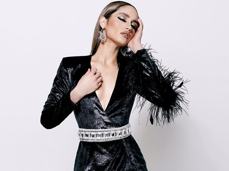 https: img-z.okeinfo.net content 2019 12 03 194 2137630 cinta-laura-seksi-elegan-memakai-baju-couture-dengan-sentuhan-edgy-style-6394FKnQ9z.jpg