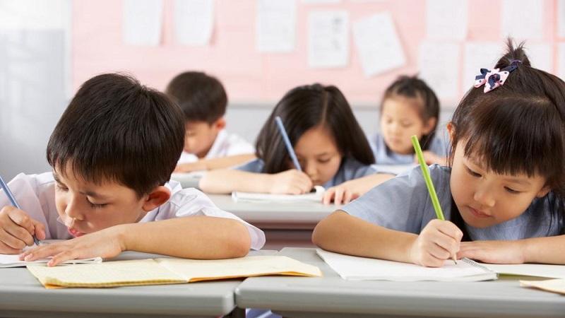 https: img-z.okeinfo.net content 2019 12 04 612 2137770 siswa-siswi-di-china-ditetapkan-sebagai-pelajarterpintar-di-dunia-61VlCYuPm2.jpg