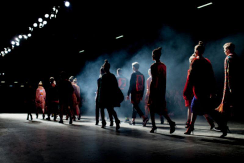 https: img-z.okeinfo.net content 2019 12 06 194 2138997 adu-keren-para-supermodel-di-british-fashion-awards-siapa-paling-stunning-pVk1QVl0Lf.jpg