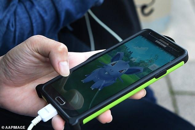 https: img-z.okeinfo.net content 2019 12 06 326 2138962 saingi-google-glass-developer-pokemon-go-bikin-headset-ar-T77VfJPhCm.jpg