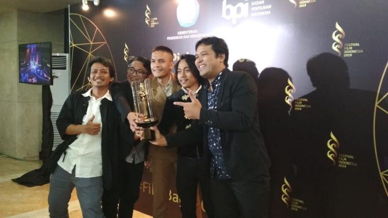 https: img-z.okeinfo.net content 2019 12 08 206 2139466 kucumbu-tubuh-indahku-sabet-8-piala-citra-di-festival-film-indonesia-2019-RTKzklgvke.jpg