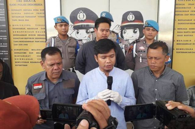 https: img-z.okeinfo.net content 2019 12 11 337 2140663 dituduh-jadi-germo-pramugari-bos-garuda-indonesia-polisikan-akun-digeeembok-oFx88PMgws.jpg