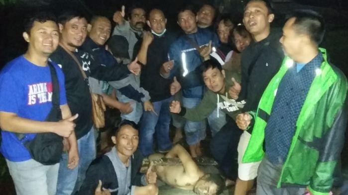 https: img-z.okeinfo.net content 2019 12 12 519 2140938 polisi-tangkap-tahanan-polresta-malang-yang-kabur-terpaksa-ditembak-karena-melawan-7OLsUCw21D.JPG