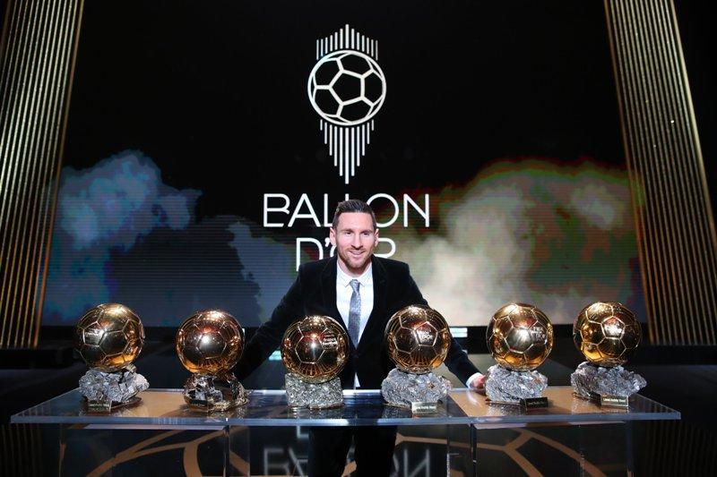 https: img-z.okeinfo.net content 2019 12 14 51 2141783 ronaldinho-tak-setuju-jika-messi-dianggap-sebagai-yang-terbaik-dalam-sejarah-sepakbola-4BgrlTXOGW.jpg