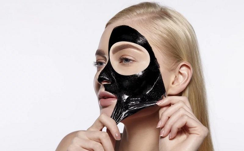 https: img-z.okeinfo.net content 2019 12 16 611 2142630 penggunaan-masker-peel-off-arang-terlalu-sering-dapat-merusak-kulit-zVkgh1XrfO.jpg