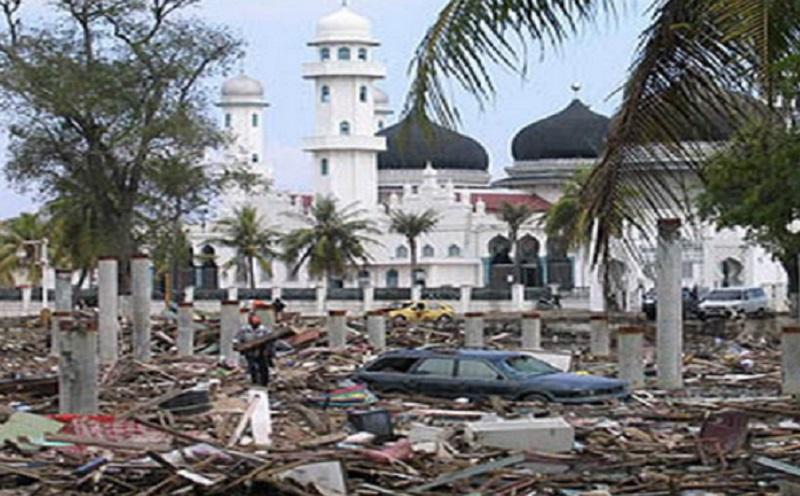 https: img-z.okeinfo.net content 2019 12 27 614 2146511 pernah-diterjang-tsunami-aceh-2004-pria-ini-bersyukur-masih-diberi-hidup-QTN2TyUHGq.jpg