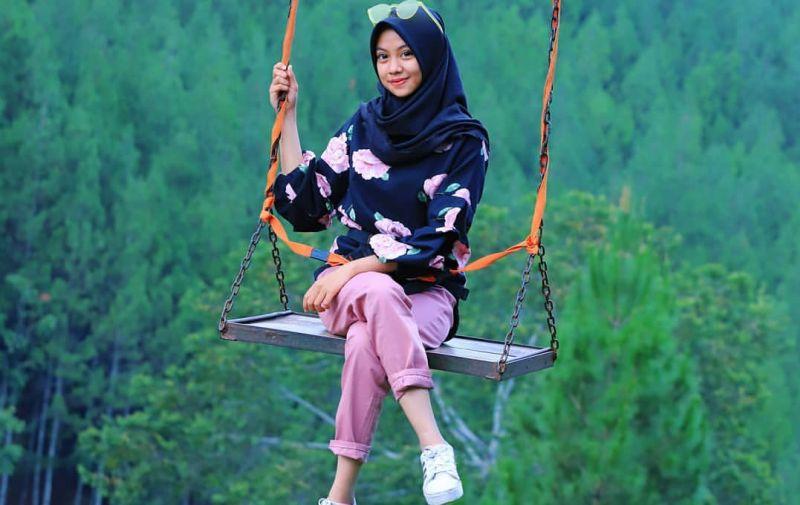 https: img-z.okeinfo.net content 2019 12 30 406 2147524 5-objek-wisata-alam-di-lembang-biar-libur-nataru-tambah-asyik-k087hj1nLM.jpg