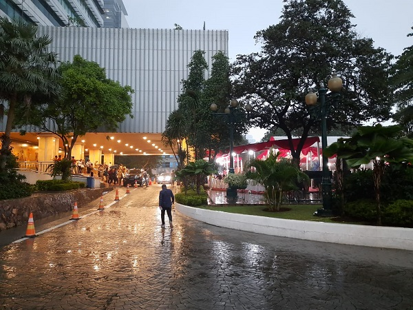 https: img-z.okeinfo.net content 2019 12 31 338 2147885 hujan-guyur-jakarta-jelang-malam-tahun-baru-2020-r06H3TirlO.jpg