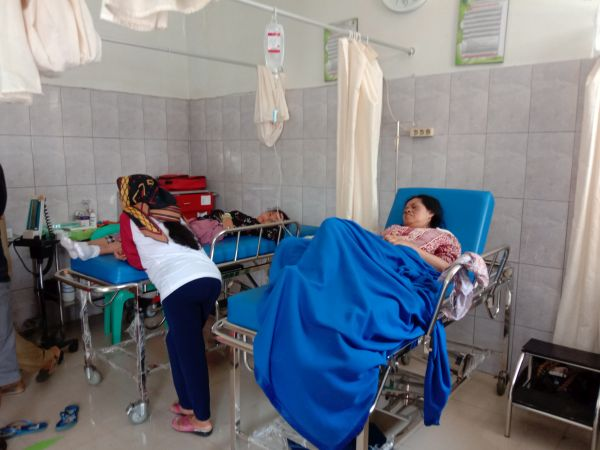 https: img-z.okeinfo.net content 2019 12 31 525 2147808 40-wisatawan-keracunan-saat-berlibur-di-pangandaran-6-orang-dirawat-ygmJHjKwR8.jpg