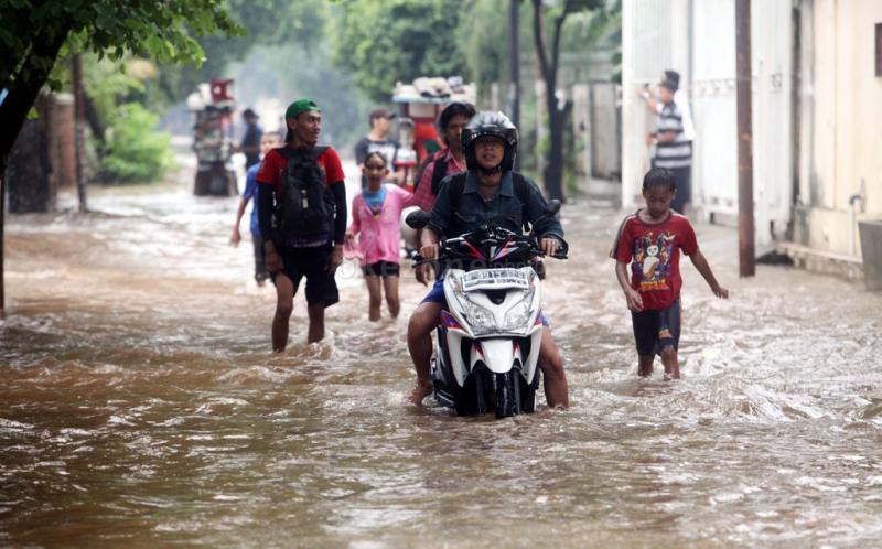 https: img-z.okeinfo.net content 2020 01 02 53 2148433 tips-mengecek-kondisi-motor-setelah-banjir-DazWtKQQqn.jpg
