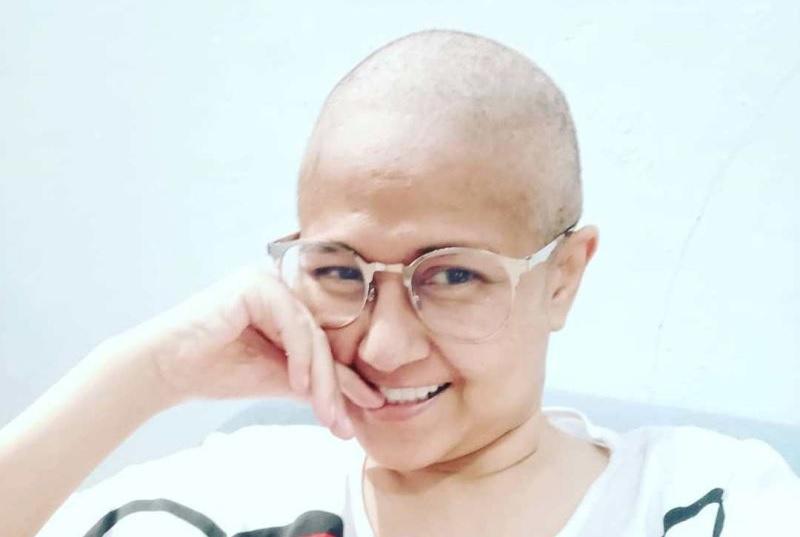 https: img-z.okeinfo.net content 2020 01 06 481 2149685 potret-kenangan-ria-irawan-di-awal-perjuangan-melawan-kanker-kelenjar-getah-bening-ExvNTXxBju.jpg