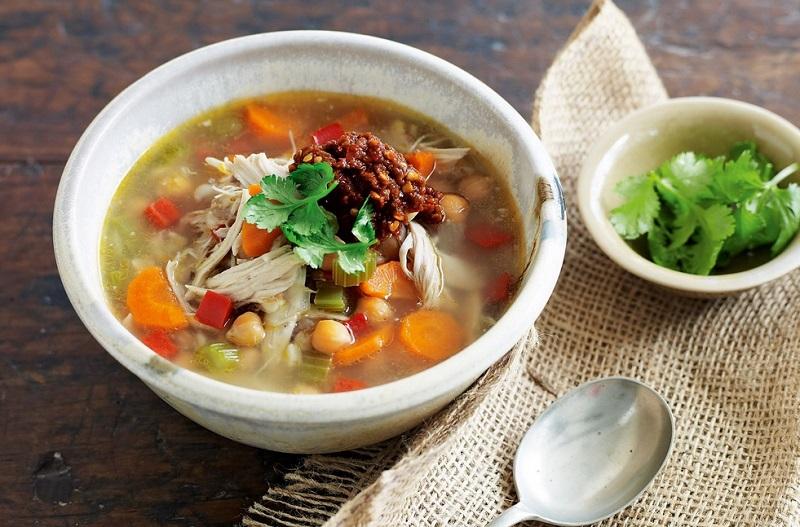 https: img-z.okeinfo.net content 2020 01 08 481 2150501 5-makanan-sehat-untuk-jaga-tubuh-tetap-prima-di-musim-hujan-5Dsox8rAOq.jpg