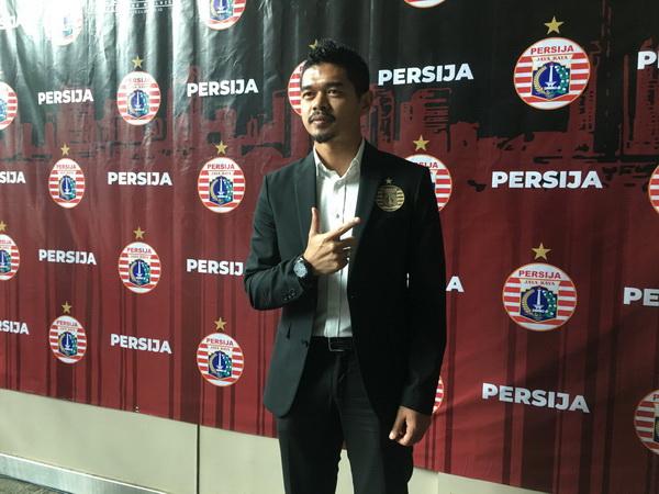 https: img-z.okeinfo.net content 2020 01 17 49 2154160 bambang-pamungkas-resmi-jadi-manajer-persija-jakarta-CiPcFBGIhD.jpg