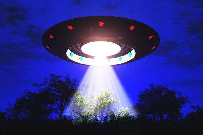 https: img-z.okeinfo.net content 2020 01 18 56 2154645 penampakan-ufo-di-new-york-meningkat-selama-2019-cFFBkAdhRy.jpg