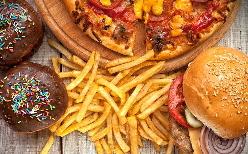 https: img-z.okeinfo.net content 2020 01 19 612 2154988 tes-kepribadian-menerka-jumlah-anak-dari-junk-food-kesukaan-8wOZ1ffKNu.jpg