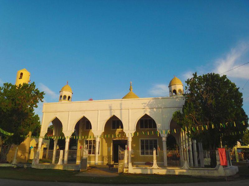 https: img-z.okeinfo.net content 2020 01 19 614 2155005 ini-masjid-tertua-dan-terbesar-di-filipina-slBmS48b7r.jpg