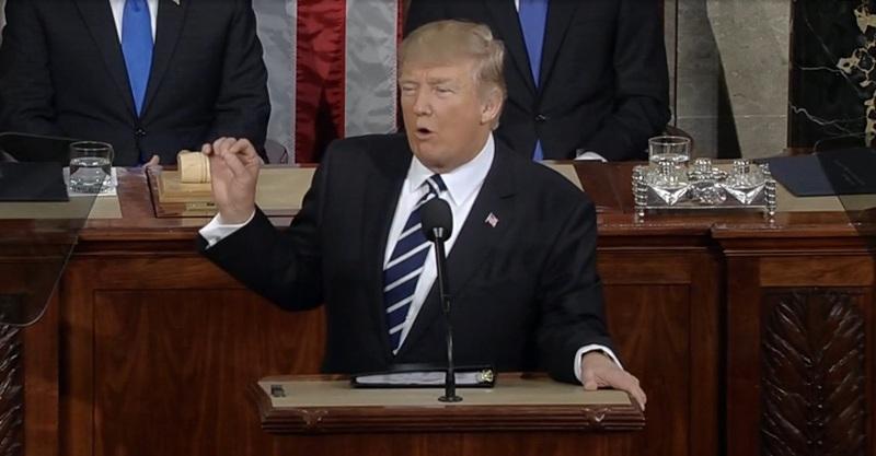 https: img-z.okeinfo.net content 2020 01 22 18 2156435 trump-menjadi-presiden-ketiga-yang-menjalani-sidang-pemakzulan-sepanjang-sejarah-as-bneu1sJXmq.jpg