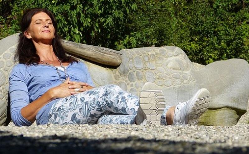 https: img-z.okeinfo.net content 2020 01 23 481 2157158 ini-risiko-menopause-dini-bagi-perempuan-MJg9GvAWTQ.jpg