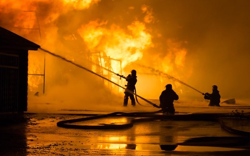 https: img-z.okeinfo.net content 2020 01 24 18 2157830 kebakaran-besar-landa-perkebunan-di-venezuela-tewaskan-sedikitnya-12-orang-nkY4uVfcVJ.jpg