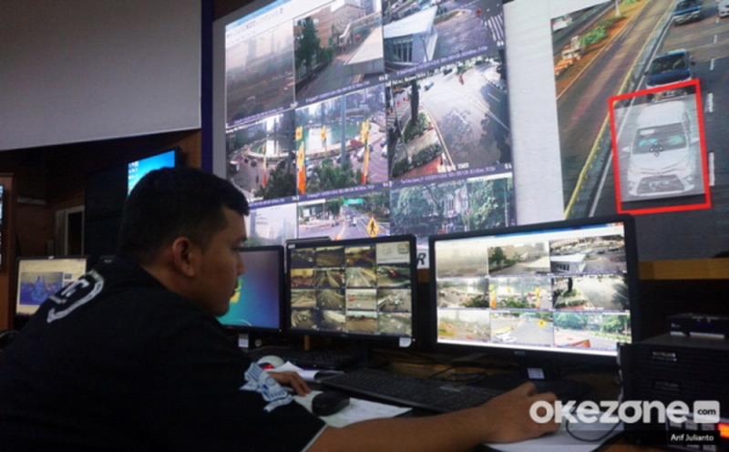 https: img-z.okeinfo.net content 2020 01 30 338 2160613 polisi-akan-pasang-kamera-tilang-elektronik-di-jalan-layang-kampung-melayu-tanah-abang-hPVF5GE96X.jpg