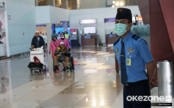 https: img-z.okeinfo.net content 2020 02 05 320 2163528 bandara-soetta-setop-seluruh-penerbangan-indonesia-china-0tbLipLJw6.jpg