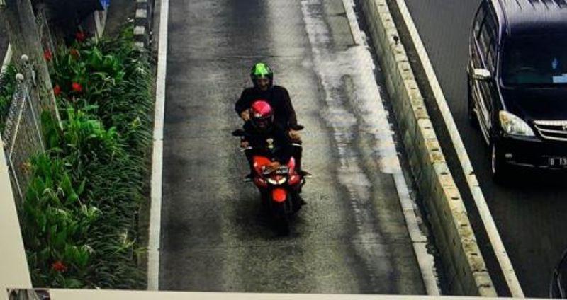 https: img-z.okeinfo.net content 2020 02 07 53 2164759 sadar-lakukan-pelanggaran-bikers-ini-tutup-plat-nomor-hindari-e-tle-iRnMMqU0FX.jpg