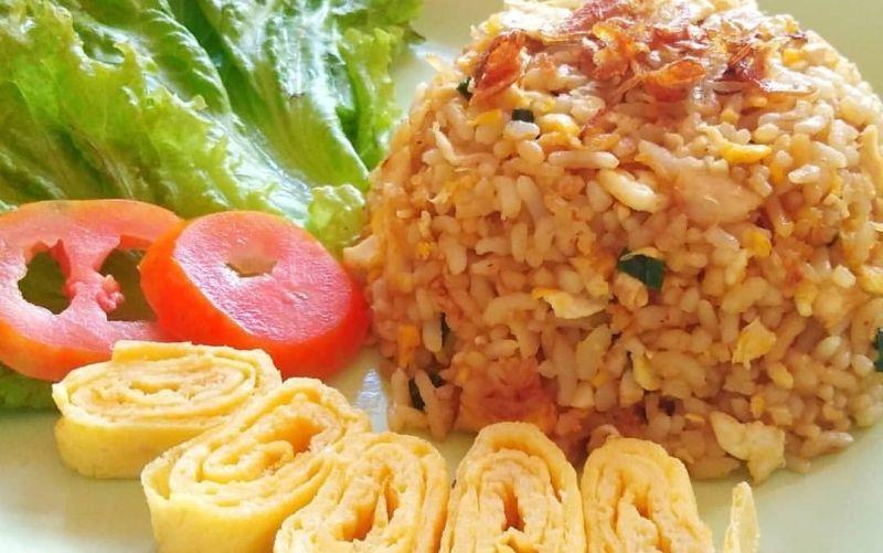 https: img-z.okeinfo.net content 2020 02 10 298 2165858 resep-sarapan-nasi-goreng-kampung-untuk-suami-tersayang-0JLNOew0SV.jpg