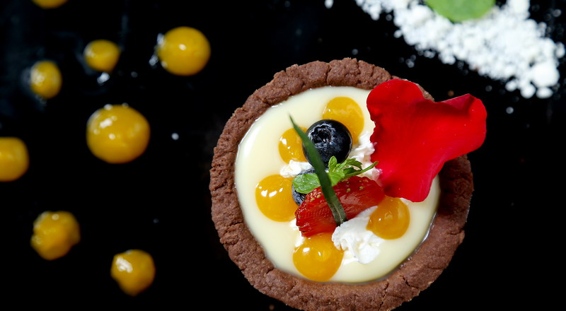 https: img-z.okeinfo.net content 2020 02 13 298 2168149 resep-coklat-valentine-ala-masterchef-indonesia-cocok-dikirim-ke-gebetan-2TqDAbdZKz.jpg