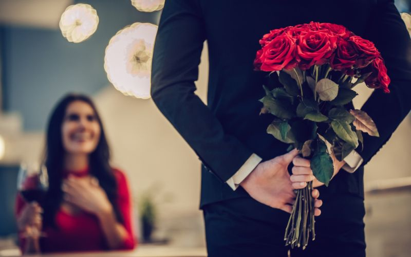 https: img-z.okeinfo.net content 2020 02 14 196 2168369 referensi-ucapan-hari-valentine-untuk-keluarga-tercinta-raFB2AFQoq.jpg