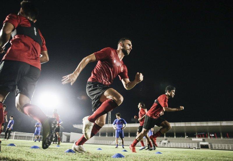 https: img-z.okeinfo.net content 2020 02 14 51 2168767 timnas-indonesia-gelar-latihan-perdana-di-stadion-madya-Fr1fgSvbY3.jpg