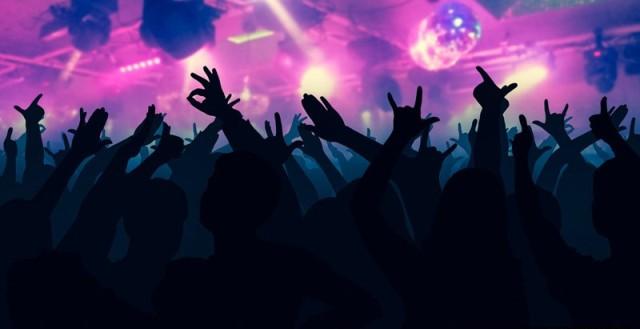 https: img-z.okeinfo.net content 2020 02 16 338 2169276 razia-diskotek-black-owl-polisi-amankan-12-pengunjung-positif-narkoba-ROgVBJfbCi.jpg