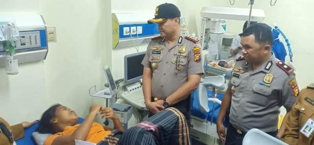 https: img-z.okeinfo.net content 2020 02 17 340 2169959 seorang-wanita-melahirkan-di-hutan-kota-pekanbaru-tanpa-bantuan-medis-H9Pw0MCJGs.jpg