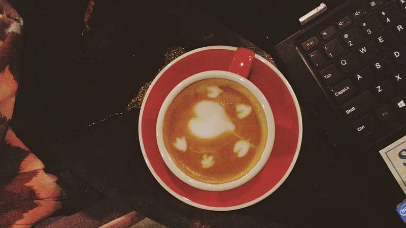 https: img-z.okeinfo.net content 2020 02 19 320 2170895 berani-coba-bisnis-kekinian-coffee-corner-ini-3-strateginya-sY1hajCVLW.jpg