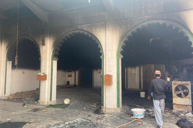 https: img-z.okeinfo.net content 2020 02 27 18 2174787 kekerasan-komunal-di-delhi-tewaskan-27-orang-warga-muslim-jadi-sasaran-fXcXjHXzEm.jpg