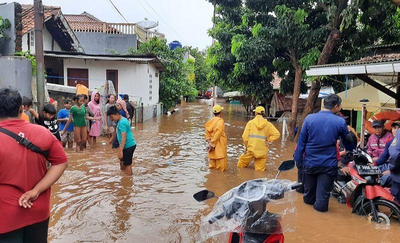 https: img-z.okeinfo.net content 2020 02 27 481 2174879 genangan-banjir-picu-penyakit-infeksi-hingga-berujung-kematian-nHOy6cyzWE.jpg