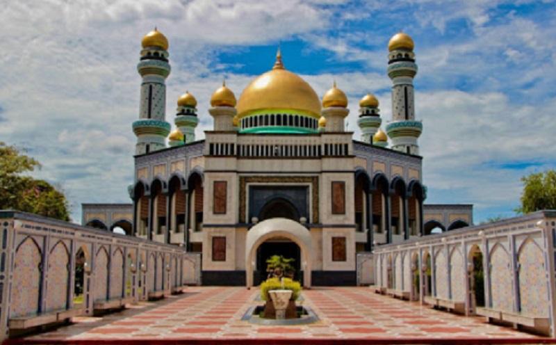 https: img-z.okeinfo.net content 2020 03 24 614 2188063 penutupan-masjid-masjid-diperpanjang-azan-dan-zikir-tetap-digemakan-KfPgbIdReL.jpg