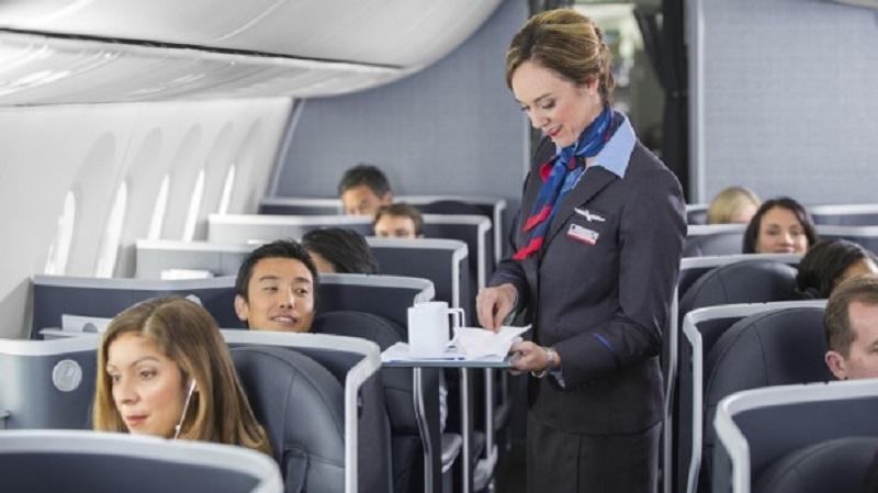 https: img-z.okeinfo.net content 2020 03 25 406 2188822 5-perilaku-menyebalkan-penumpang-pesawat-yang-bikin-pramugari-kesal-EosjViDQyu.jpg