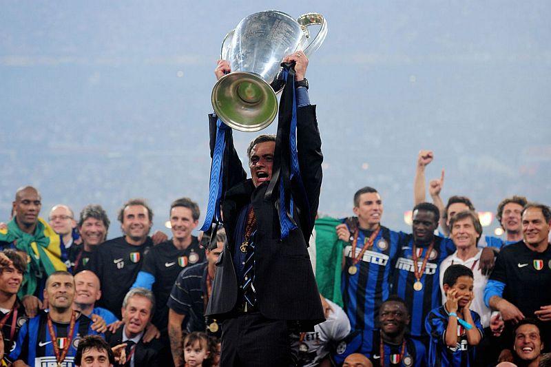 https: img-z.okeinfo.net content 2020 03 25 51 2189014 milito-mourinho-salah-satu-pelatih-terbaik-yang-pernah-ada-P5iRI5qyUv.jpg