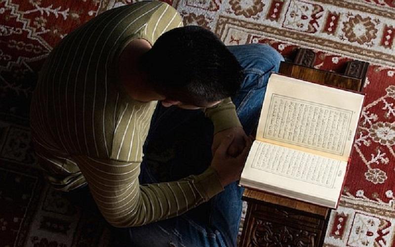 https: img-z.okeinfo.net content 2020 03 25 614 2188837 madrasah-belajar-dari-rumah-perkuat-akhlak-dan-ibadah-siswa-h8ikXod12j.jpg