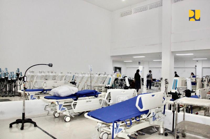 https: img-z.okeinfo.net content 2020 03 26 337 2189168 rs-darurat-wisma-atlet-hanya-rawat-pasien-covid-19-kategori-ringan-dan-sedang-B4QiXko9mN.jpg