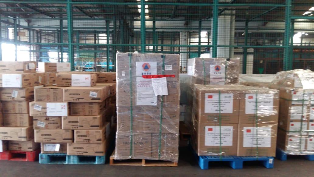https: img-z.okeinfo.net content 2020 03 27 337 2189954 80-000-masker-gratis-didatangkan-dari-china-untuk-masyarakat-indonesia-3ElXVYROco.jpg