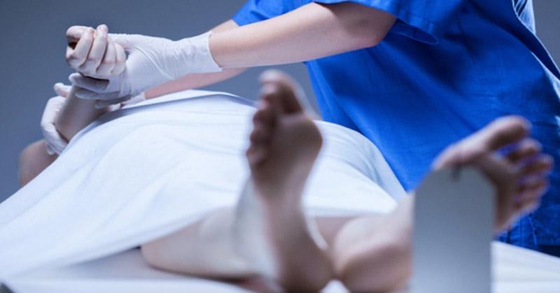 https: img-z.okeinfo.net content 2020 03 30 510 2191453 karyawan-rumah-sakit-meninggal-dunia-saat-naik-motor-nNYSuV6hCq.jpg